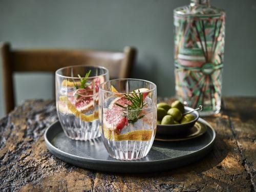 Ealing Gin Grapefruit Serve